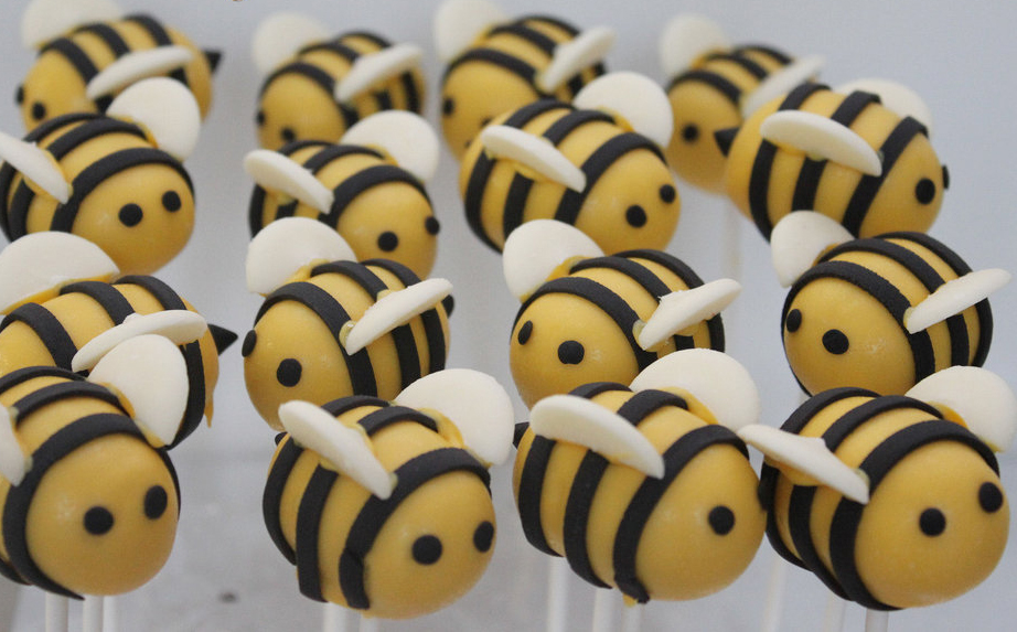 bees-baby-shower-cake-pops